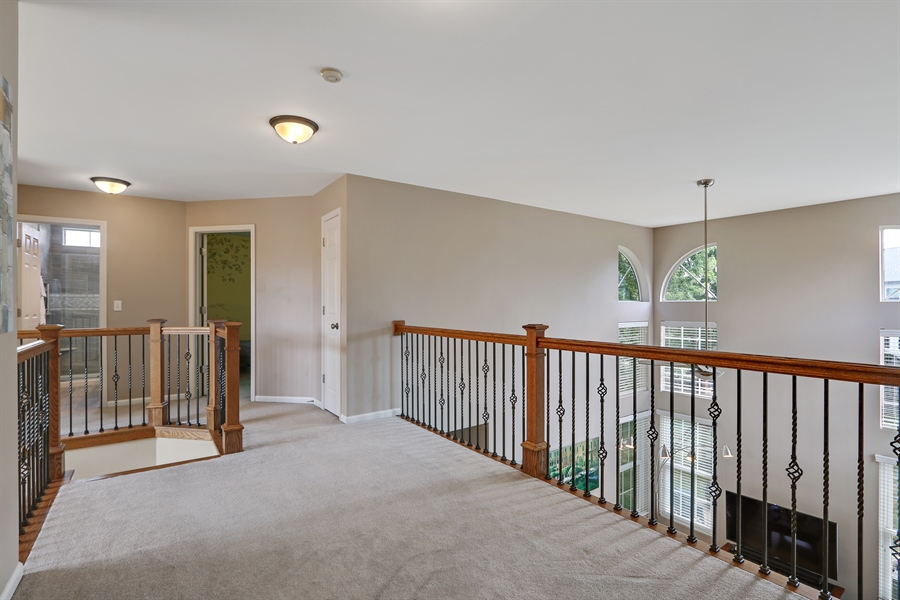 Real Estate Photography - 812 Foxmoor Ln, Lake Zurich, IL, 60047 - Loft