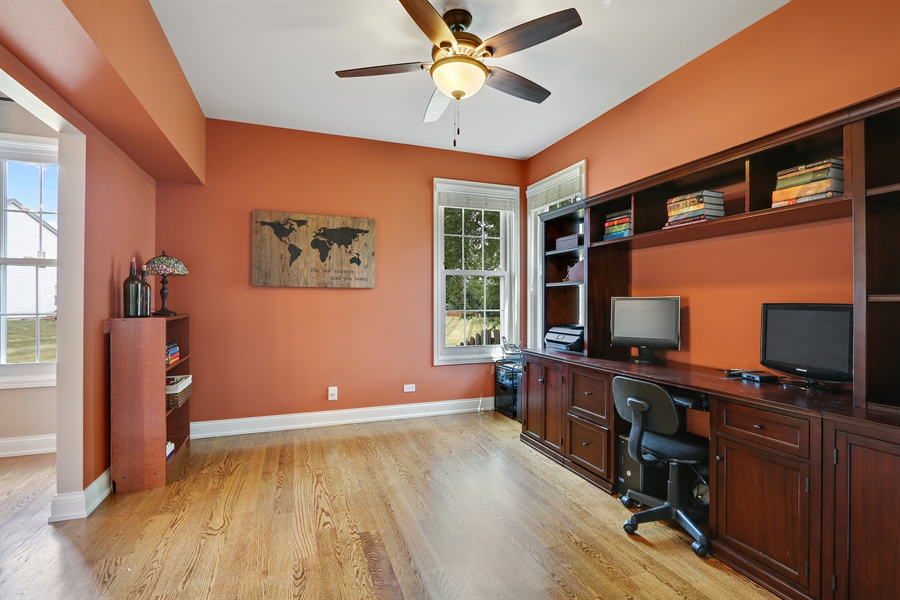 Real Estate Photography - 812 Foxmoor Ln, Lake Zurich, IL, 60047 - Office