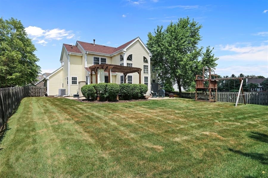Real Estate Photography - 812 Foxmoor Ln, Lake Zurich, IL, 60047 - Rear View
