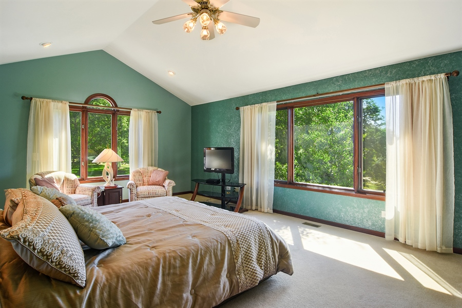 Real Estate Photography - 1 Overlook, Hawthorn Woods, IL, 60047 - Master Bedroom