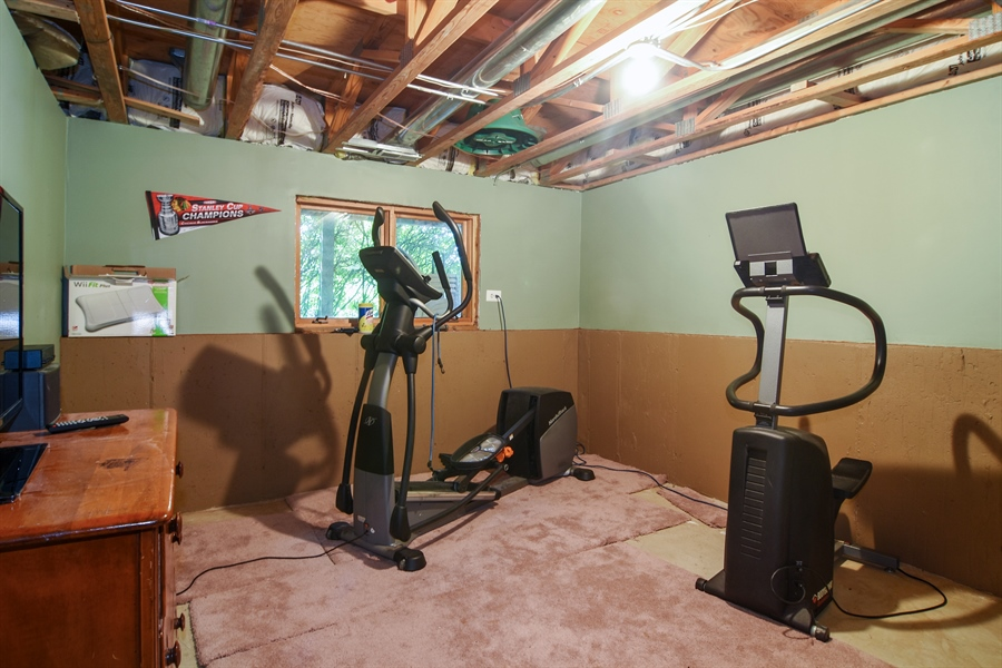 Real Estate Photography - 1 Overlook, Hawthorn Woods, IL, 60047 - Exercise Room