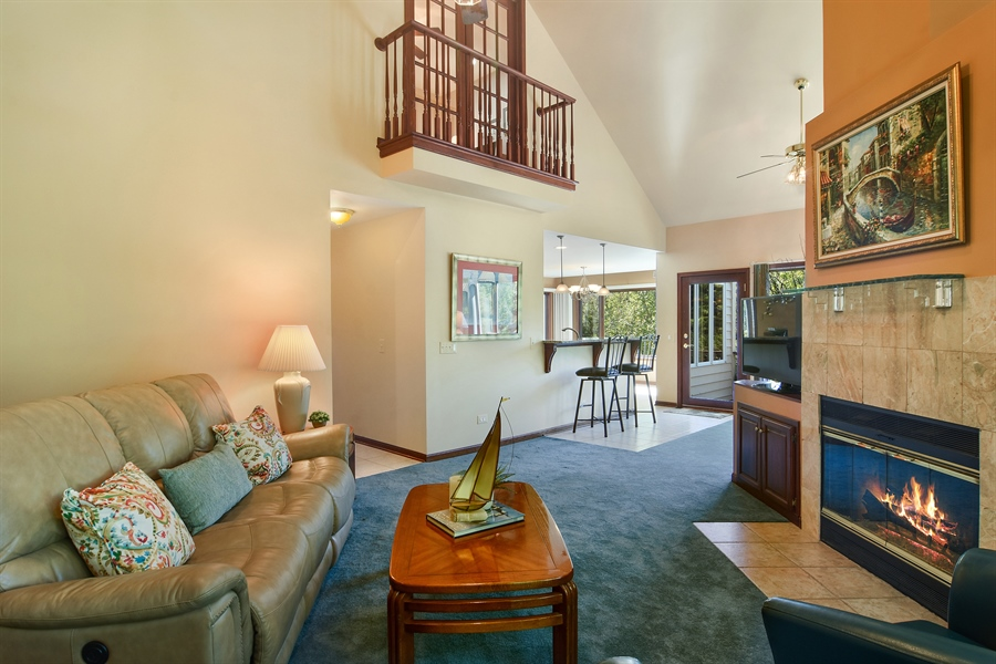Real Estate Photography - 1 Overlook, Hawthorn Woods, IL, 60047 - Great Room