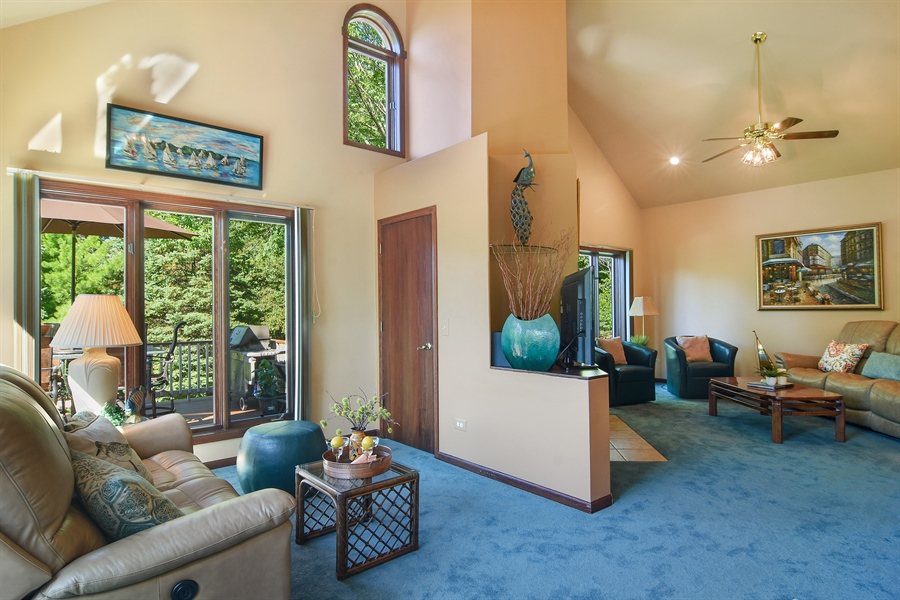 Real Estate Photography - 1 Overlook, Hawthorn Woods, IL, 60047 - Family Room