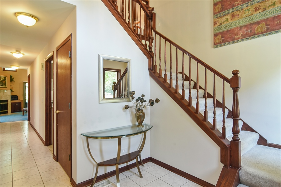 Real Estate Photography - 1 Overlook, Hawthorn Woods, IL, 60047 - Foyer