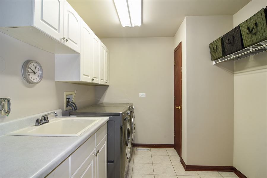 Real Estate Photography - 1 Overlook, Hawthorn Woods, IL, 60047 - Laundry Room