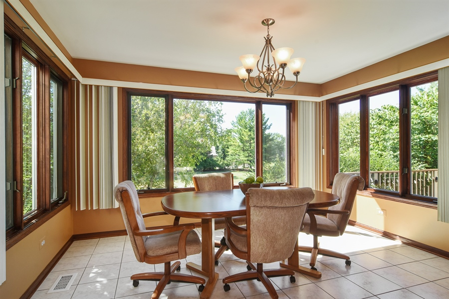 Real Estate Photography - 1 Overlook, Hawthorn Woods, IL, 60047 - Breakfast Nook
