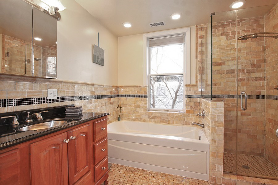 Real Estate Photography - 2017 Harrison St, 2, Evanston, IL, 60201 - Master Bathroom