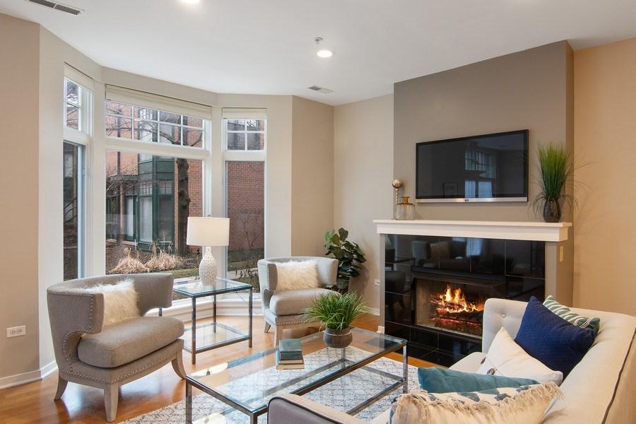 Real Estate Photography - 101 N. Euclid, 14, Oak Park, IL, 60301 - Living Room