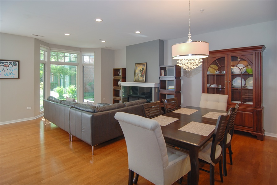 Real Estate Photography - 101 N. Euclid, 14, Oak Park, IL, 60301 - Dining Room