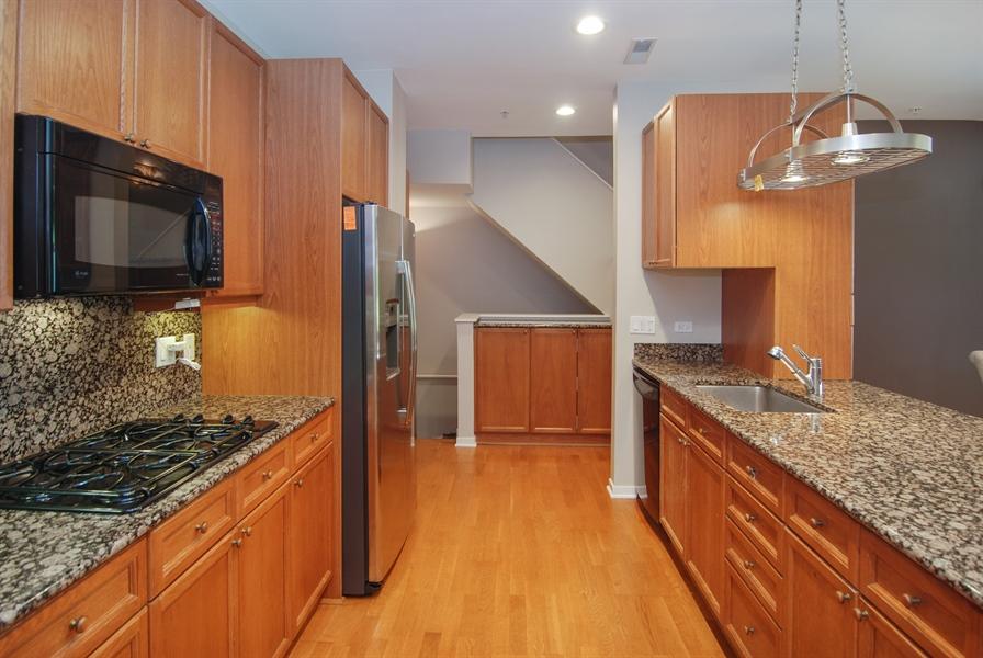 Real Estate Photography - 101 N. Euclid, 14, Oak Park, IL, 60301 - Kitchen