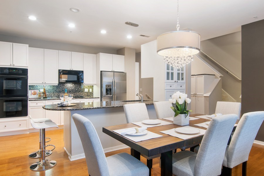 Real Estate Photography - 101 N. Euclid, 14, Oak Park, IL, 60301 - Kitchen/Dining