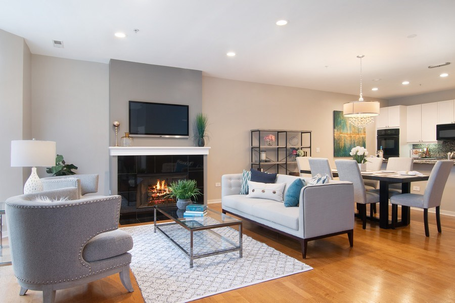 Real Estate Photography - 101 N. Euclid, 14, Oak Park, IL, 60301 - Living Room/Dining Room
