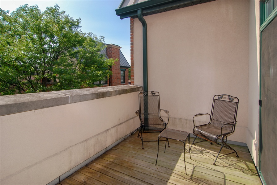 Real Estate Photography - 101 N. Euclid, 14, Oak Park, IL, 60301 - Balcony