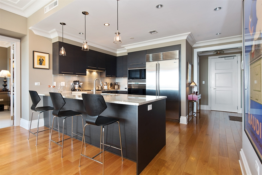 Real Estate Photography - 2550 N. Lakeview, S704, Chicago, IL, 60614 - Kitchen