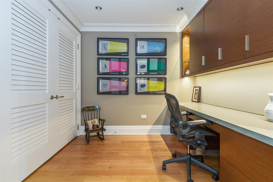 Real Estate Photography - 2550 N. Lakeview, S704, Chicago, IL, 60614 - Den/Office