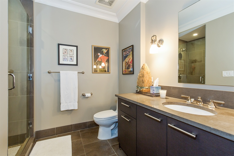 Real Estate Photography - 2550 N. Lakeview, S704, Chicago, IL, 60614 - Guest Bathroom