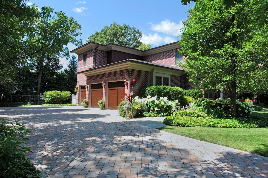 Real Estate Photography - 1354 Lincoln Ave S, Highland Park, IL, 60035 - Side View