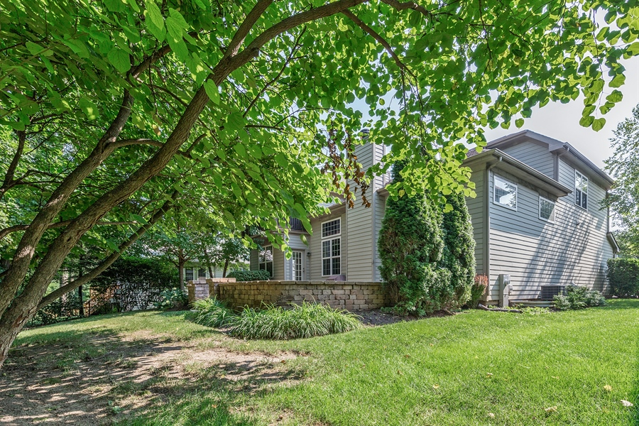 Real Estate Photography - 888 Forest Glen, Bartlett, IL, 60103 - Side View