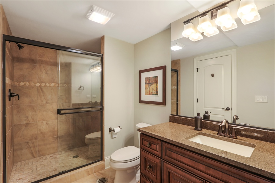 Real Estate Photography - 1232 N Chicago Avenue, Arlington Heights, IL, 60004 - 4th Bathroom