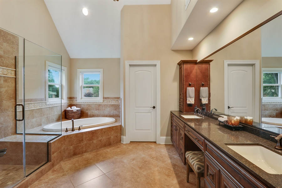 Real Estate Photography - 1232 N Chicago Avenue, Arlington Heights, IL, 60004 - Master Bathroom