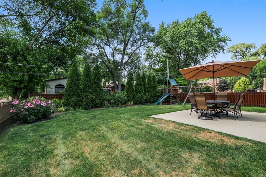 Real Estate Photography - 1232 N Chicago Avenue, Arlington Heights, IL, 60004 - Back Yard