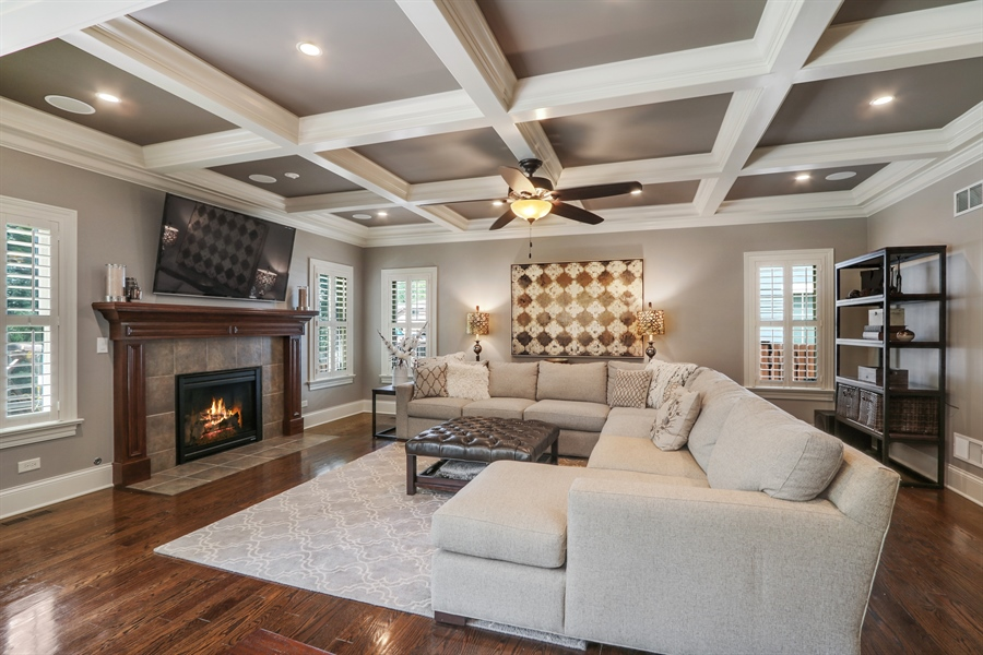 Real Estate Photography - 1232 N Chicago Avenue, Arlington Heights, IL, 60004 - Family Room