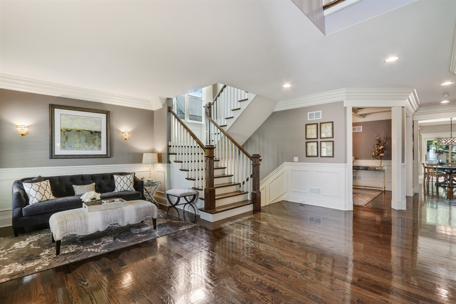 Real Estate Photography - 1232 N Chicago Avenue, Arlington Heights, IL, 60004 - Foyer