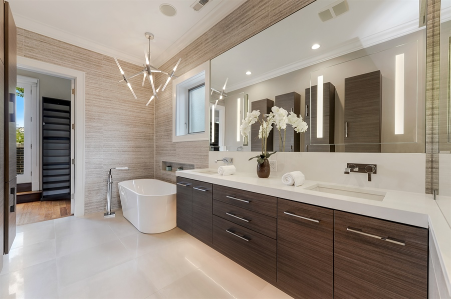 Real Estate Photography - 1526 N Elk Grove, Chicago, IL, 60622 - Master Bathroom