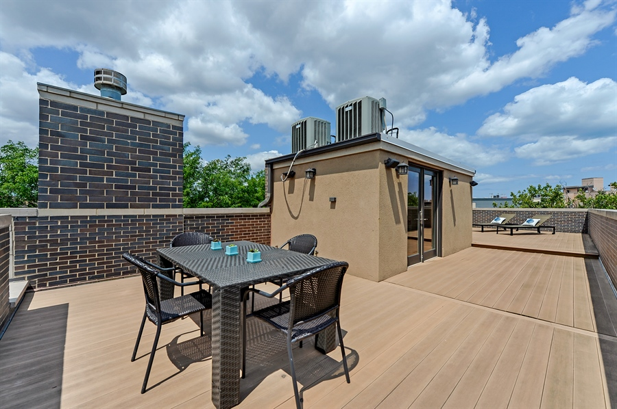 Real Estate Photography - 1526 N Elk Grove, Chicago, IL, 60622 - Roof Deck