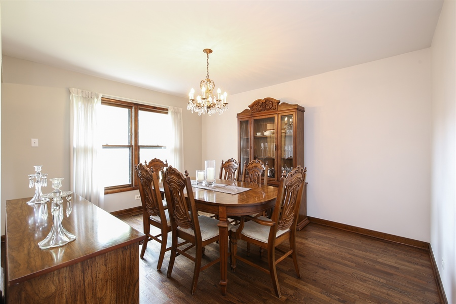 Real Estate Photography - 2421 N Evergreen, Arlington Heights, IL, 60004 - Dining Room