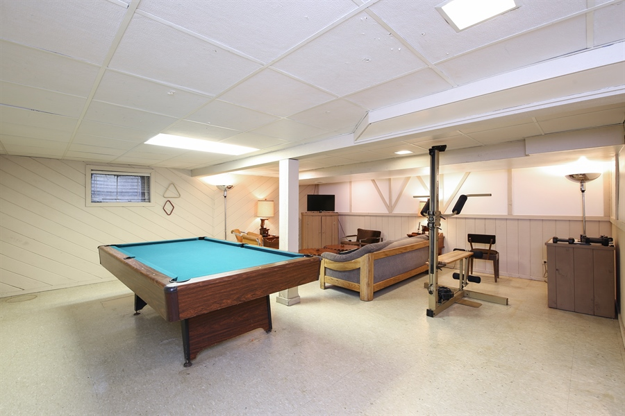 Real Estate Photography - 2421 N Evergreen, Arlington Heights, IL, 60004 - Basement