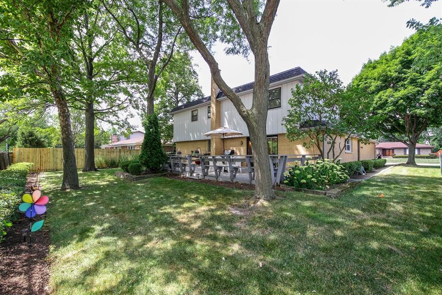 Real Estate Photography - 2421 N Evergreen, Arlington Heights, IL, 60004 - Back Yard
