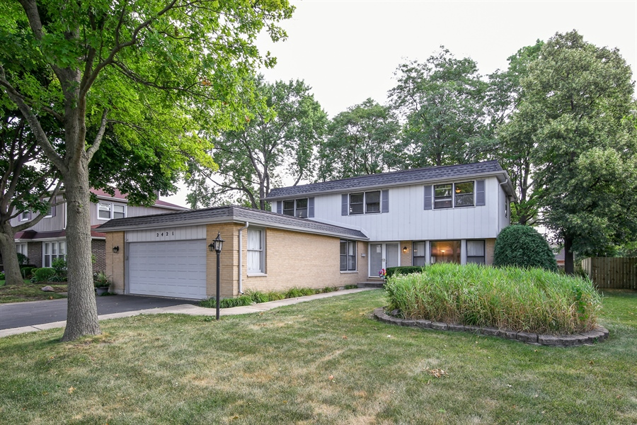 Real Estate Photography - 2421 N Evergreen, Arlington Heights, IL, 60004 - Front View