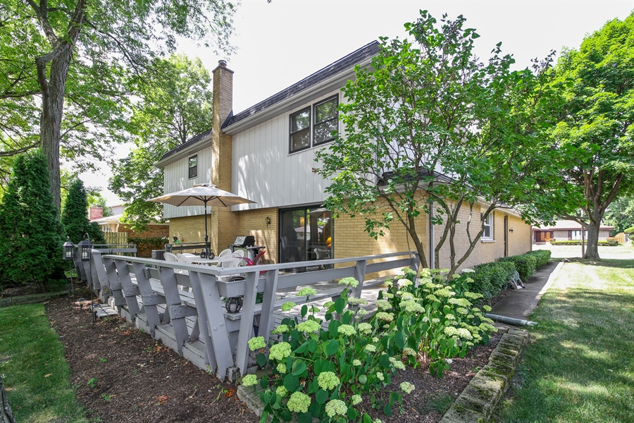 Real Estate Photography - 2421 N Evergreen, Arlington Heights, IL, 60004 - Rear View