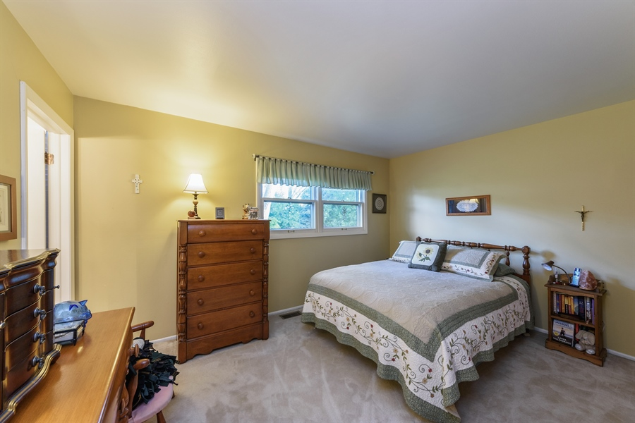 Real Estate Photography - 702 W Burning Tree, Arlington Heights, IL, 60004 - Master Bedroom