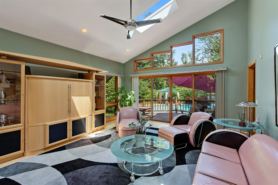 Real Estate Photography - 2035 Wagner Rd, Glenview, IL, 60025 - Living Room