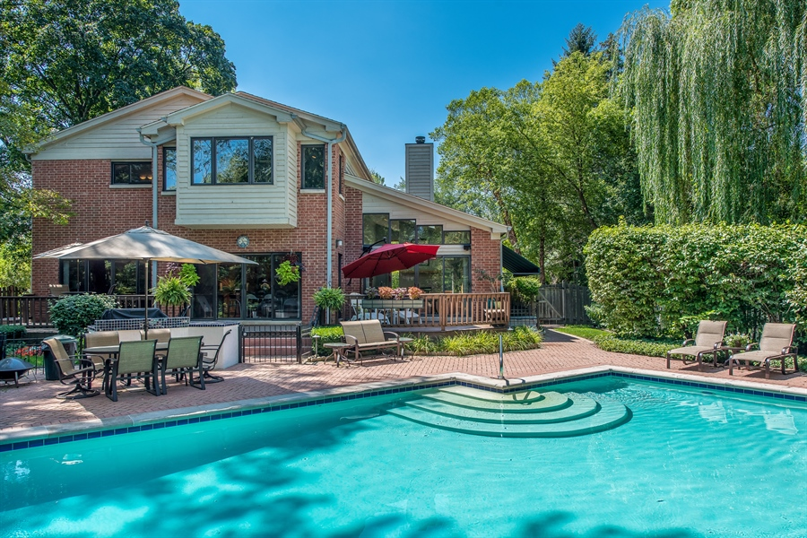 Real Estate Photography - 2035 Wagner Rd, Glenview, IL, 60025 - Pool