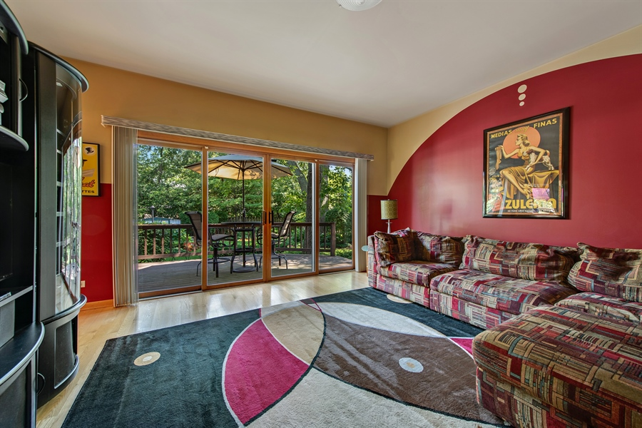 Real Estate Photography - 2035 Wagner Rd, Glenview, IL, 60025 - Family Room
