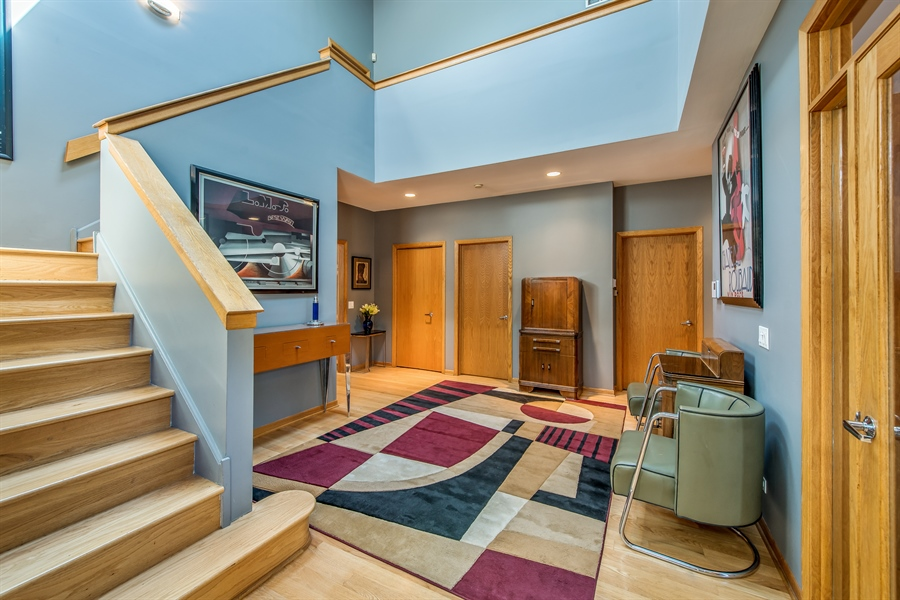 Real Estate Photography - 2035 Wagner Rd, Glenview, IL, 60025 - Foyer