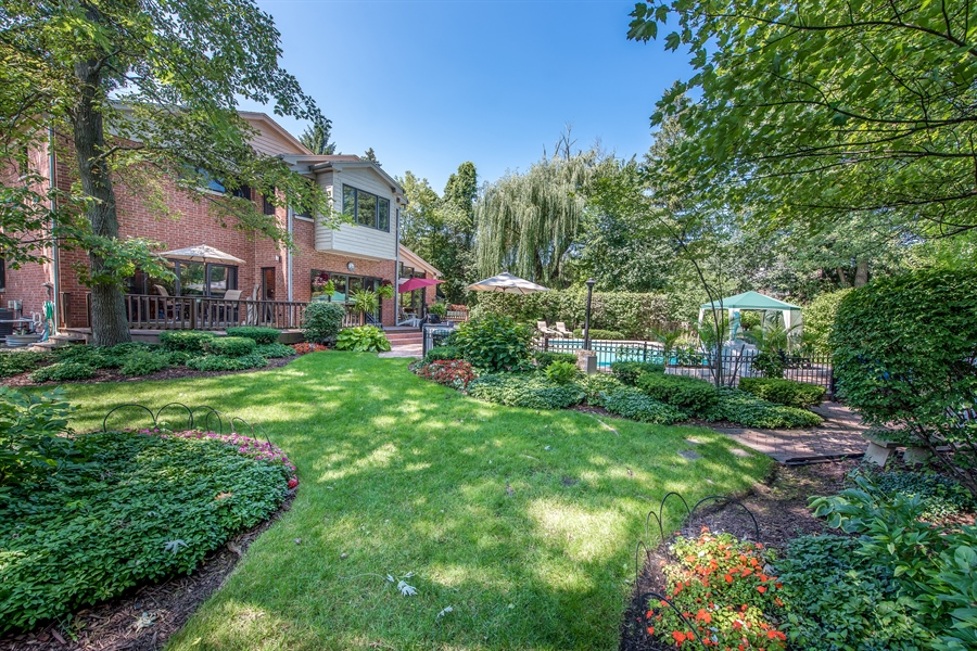 Real Estate Photography - 2035 Wagner Rd, Glenview, IL, 60025 - Rear View