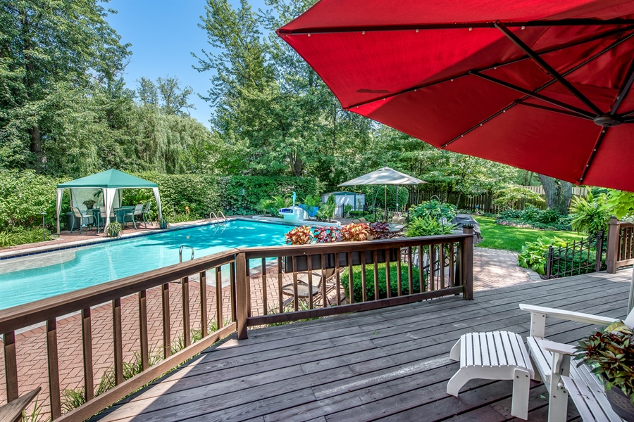 Real Estate Photography - 2035 Wagner Rd, Glenview, IL, 60025 - Deck