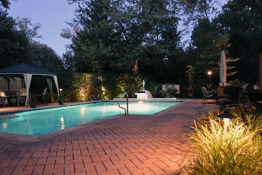 Real Estate Photography - 2035 Wagner Rd, Glenview, IL, 60025 -