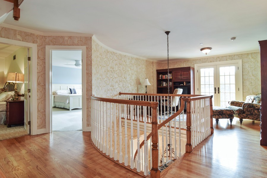 Real Estate Photography - 1626 Dublin Ct, Inverness, IL, 60010 - Loft