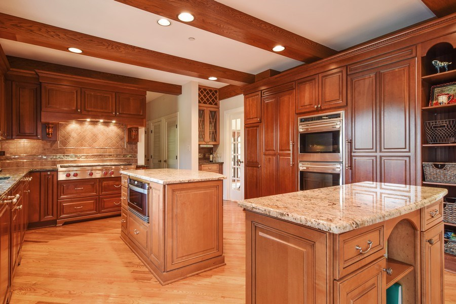 Real Estate Photography - 1626 Dublin Ct, Inverness, IL, 60010 - Kitchen