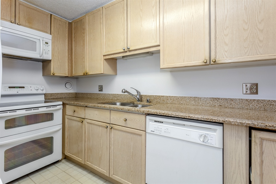 Real Estate Photography - 195 N Harbor Dr, 503, Chicago, IL, 60601 - Kitchen