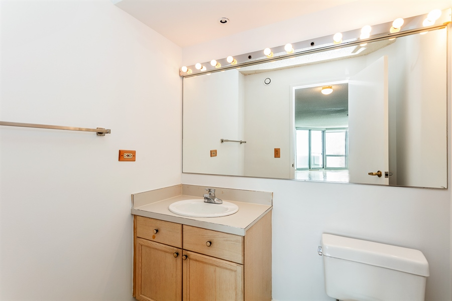 Real Estate Photography - 195 N Harbor Dr, 503, Chicago, IL, 60601 - Bathroom