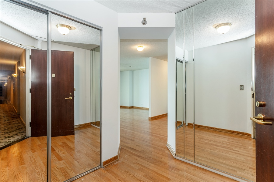 Real Estate Photography - 195 N Harbor Dr, 503, Chicago, IL, 60601 - Entryway