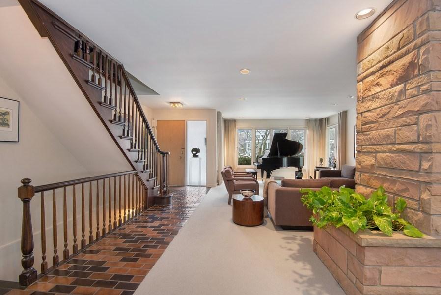 Real Estate Photography - 925 Sheridan Rd, Evanston, IL, 60202 - Foyer