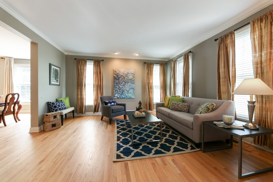 Real Estate Photography - 1471 Kittyhawk Ln, Glenview, IL, 60026 - Living Room