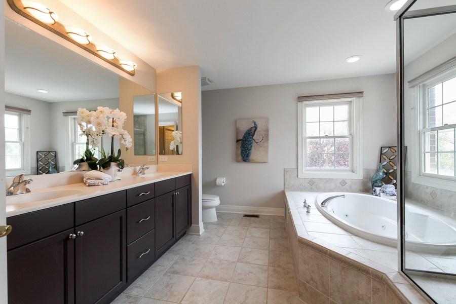 Real Estate Photography - 1471 Kittyhawk Ln, Glenview, IL, 60026 - Master Bathroom
